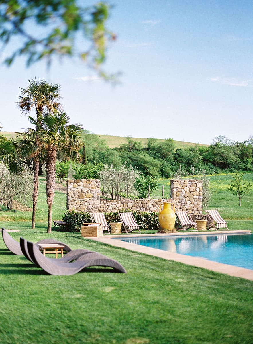 tuscany-villa-wedding-pool