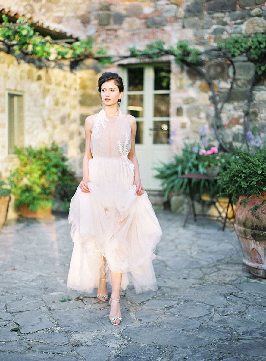 tuscany-villa-wedding-bride
